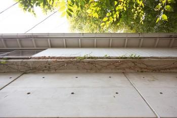 真四角の家より、庇があったほうが壁面が劣化しにくい。
