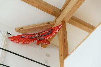 家族旅行で行ったバリ島で買った鳥の形の凧。