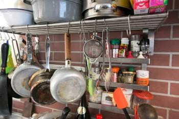 調理道具も長く使い込んだ愛用品ばかり。