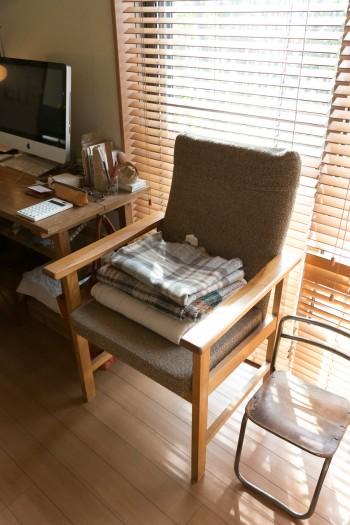 DEMODE FURNITUREの椅子は、夫からの引越し祝い。