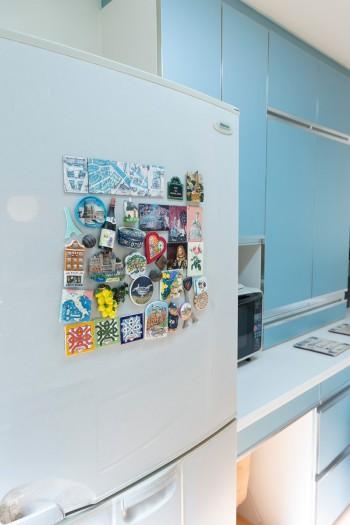 冷蔵庫に貼っているのはヨーロッパ各地で買ったマグネット。大事なコレクション。