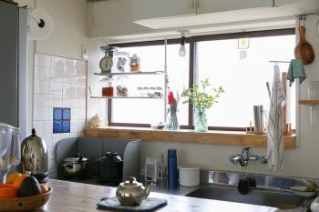 料理好きの朋子さんは野菜をふんだんに使った和食をよく作る。「庭で採れるふきのとうでふきみそを作ったりもします」。