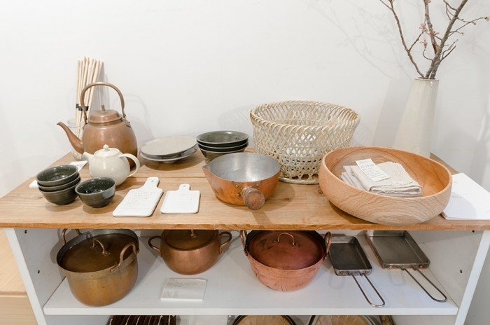 古くから日本で使われている調理道具たちは職人たちの手で丁寧に作られているものばかり。凛とした表情がある。