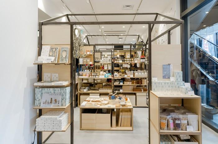 こちらが企画展スペース。高野竹工、森木箱店、辻和金網など京都の人気の作り手たちが集まった。