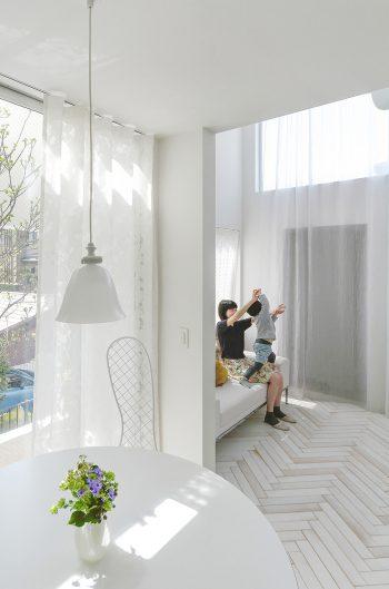 室内の色は白ありきでスタートしたのではなく、細かく検討を重ね、決めていくうちにすべてが白くなったという。