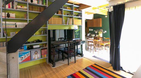 こだわりのオーディオ空間を実現色と視線の変化で家の奥行き感を創り出す