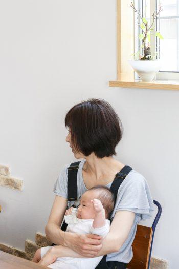 生後三カ月の娘さんは、真新しい家に無邪気な笑い声を響かせていた。