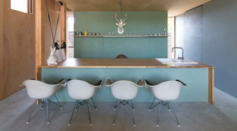 家をライフスタイルの実験場にオフグリッド住宅で新しい生活に挑戦中