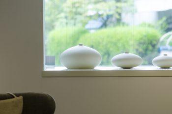 こちらも安齋さんの作品。マットなテクスチャーが印象的な白磁。