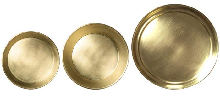左からバンクトレー小 φ170 H15mm ¥5,000 バンクトレー大 φ185 H25mm ¥6,000 盆 φ240 H20mm ¥11,200 以上東屋(スコープ)