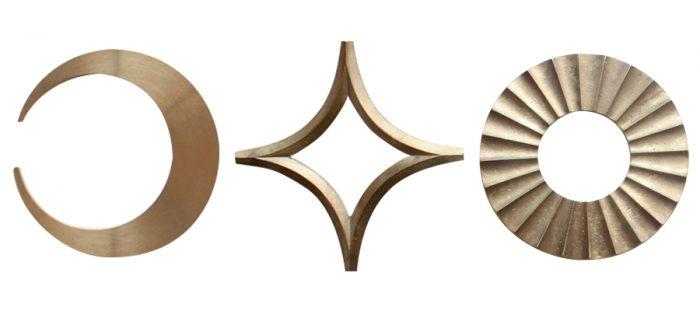 左から栓抜き 三日月 W65 D60 H6mm ¥2,250 鍋敷き 星 W165 D165 H12mm ¥3,320 鍋敷き 太陽 W150 D165 H12mm ¥3,880 以上FUTAGAMI(designshop)