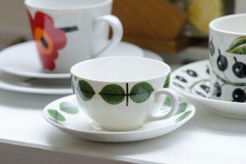 スウェーデンのグスタフスベリ社のスティグ・リンドベリのカップ&ソーサー。