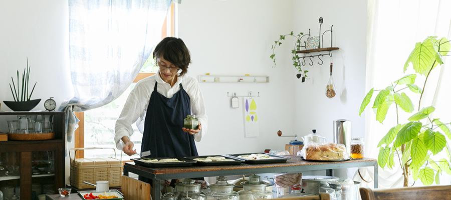 自宅でパン教室を開く愛着あるモノをしつらえて楽しみながら暮らす