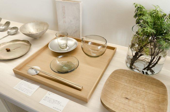 つい手にとって眺めてみたくなる、津田清和さんのガラスの器たち。色のついたガラスは温かみも感じられ、秋冬の食卓でも活躍。