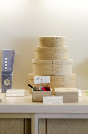 木工作家・井藤昌志さんに、特別に桐で制作してもらったシェーカーボックス。裁縫箱やちょっとした小物入れに最適。