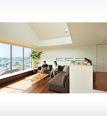 ヘーベルハウスの実例パノラマ窓から眺望を楽しむ住まい