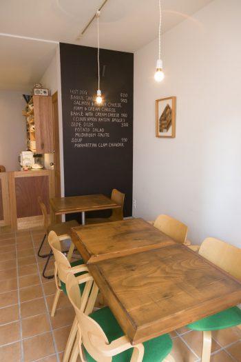 1階は不定期に開くカフェ&イベントスペース「HOMEBASE」。現在は毎週土曜日のみランチ営業。