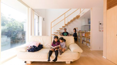 家族のライフステージを視野にフレキシブルに住まう現代版・縁側のある暮らし