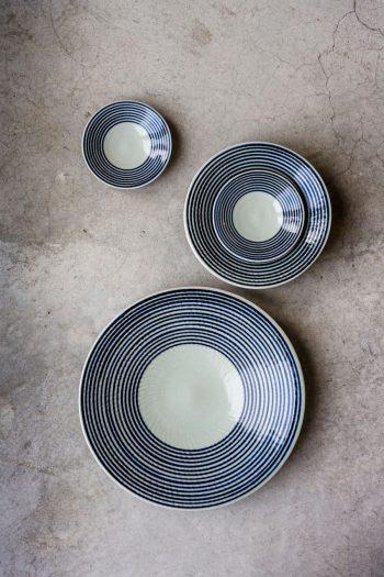 藍駒 小皿 φ112 H22mm ¥650 中皿 φ182 H33mm ¥1,200 大皿 φ280 H43mm ¥3,500