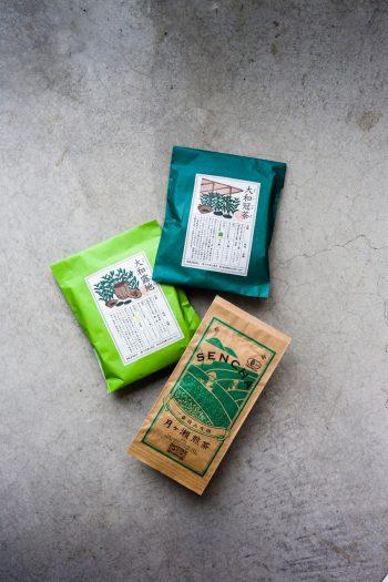 上から大和冠茶 ¥1,300 大和露地 ¥1,300 一番摘み有機月ヶ瀬煎茶 ¥1,000