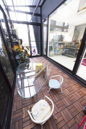 建築当初はテラスだったところを、昨年サンルームに変更。ご夫妻ともに花粉症で、屋内に洗濯物を干すため。