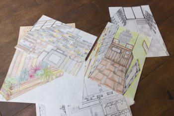 神崎さんが描いた図面。使いたいシャンデリアなどに合わせて天井高も想定したそう。