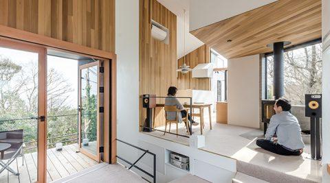 富士山と相模湾を望む家自然の中で、森のような多様な空間を体験する