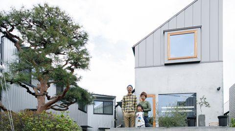 交流が生まれる場として賃貸住宅と庭を共有するアトリエ併設の住まい
