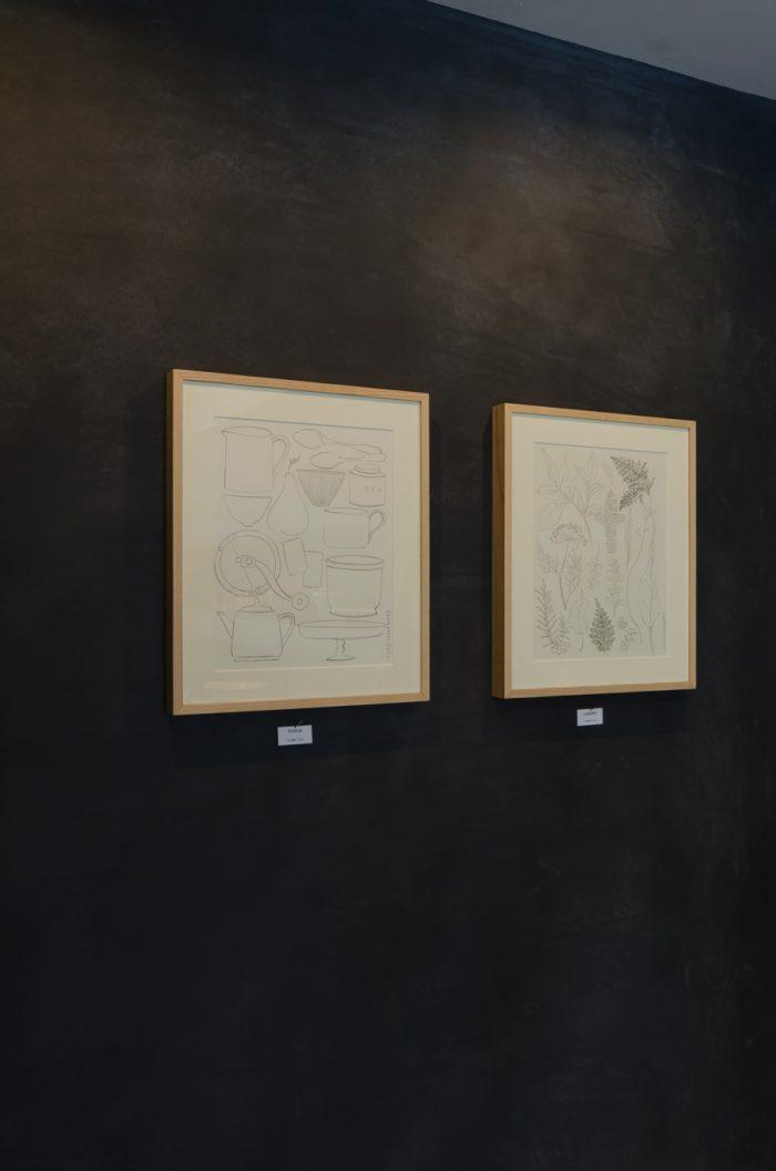 山本祐布子さんの原画にはキッチンアイテムや植物が描かれている。各75,000円。
