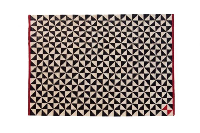 メランジパターン(チェッカーフラッグ) 800✕1400mm ¥68,000 1700×2400mm ¥226,100 nanimarquina (Generate Design)
