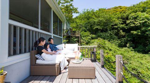 鎌倉山の緑をひとり占め自然を背景に繰り広げる洗練のヴィラライフ
