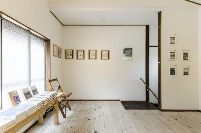 ギャラリーでは2、3週間に1度のペースで展示替えを行う。
