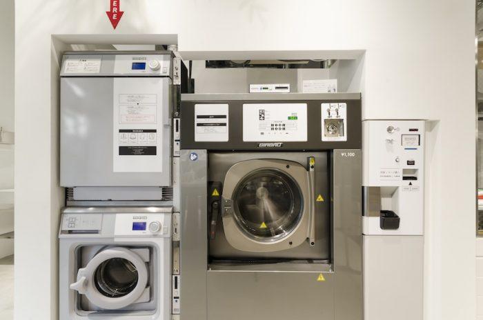 おしゃれ着専用の洗濯機&ガス乾燥機。洗濯900円、乾燥300円。