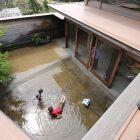 雨が降ると池が出現子どもの成長を見守りながら外を感じて過ごせる家