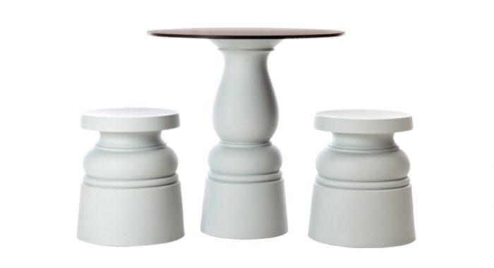 同シリーズのテーブルと合わせても。コンテナテーブルフット ニューアンティークス(天板別売り) φ320 H710mm ¥60,000 moooi(TOYO KITCHEN STYLE)