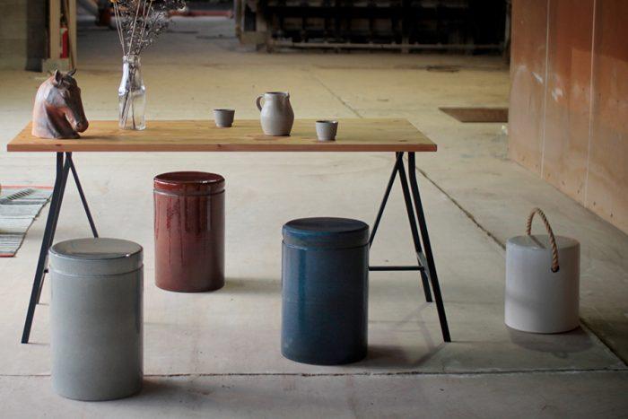 トン スツール&サイドテーブル(グレー・ブラウン・ブルー・ホワイト) φ300 H460mm 各¥17,000 トン ロープ子供用スツール&サイドテーブル(ホワイト) φ270 H310mm ¥14,500 以上SHIKARAKI(MERCROS)