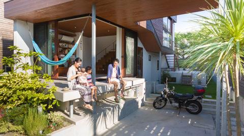 ビーチから3軒目の家開放感のある家に自然と人が集まる