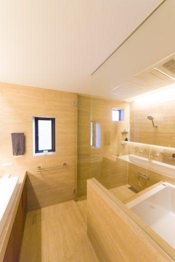 「仕事の疲れをしっかりとりたかったので、バスルームはホテルライクなモダンなイメージにしました」