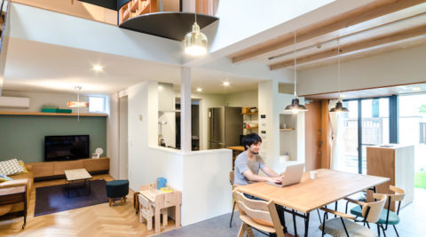 どこでも仕事のしやすい家しっとりと落ち着いた環境でゆとりをもって生活する
