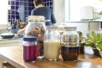 手づくりの梅干し、梅酢、塩糀、醤油糀。「塩糀や醤油糀は簡単につくれてお料理の味を格上げしてくれる魔法の調味料なんですよ」と幹子さん。