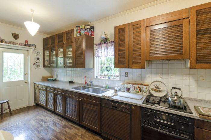 キッチンは、1クラス7人で行われる料理教室にも余裕の広さ。