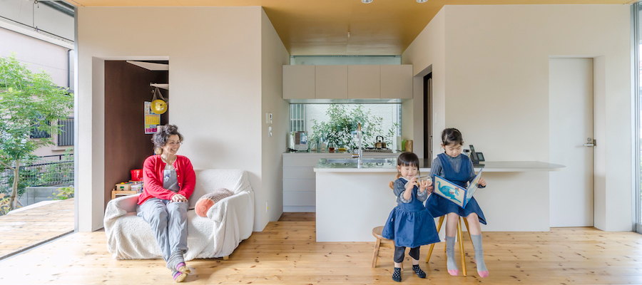 狭いゆえの工夫を重ねて小さい家で広く豊かに住む