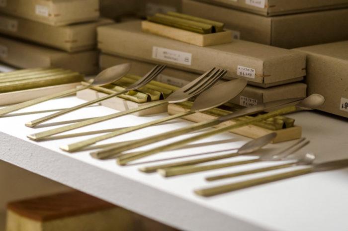 真鍮の生活用品ブランド「FUTAGAMI」のカトラリー。