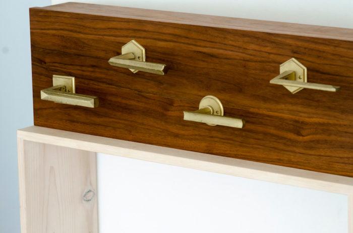 二上が建物金物に特化したものづくりブランド「MATUREWARE」のレバーハンドルやスイッチパネルなども取り扱う。