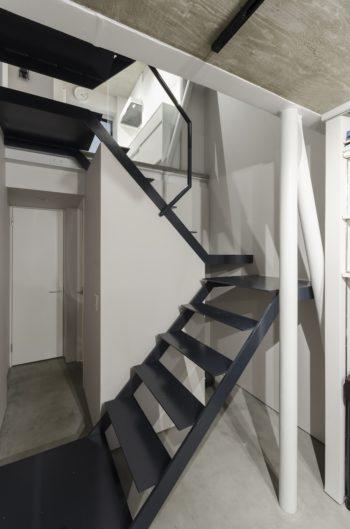 1 階奥にはトイレと浴室がある。