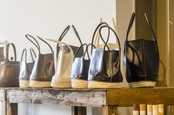 モロッコとバリの手作り雑貨「warang wayan」のバッグ。