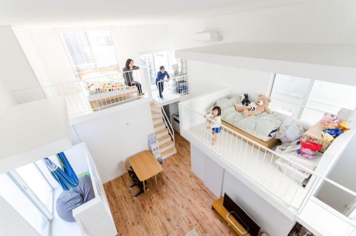 根津邸のもっとも高いレベルにある場所から見下ろす。