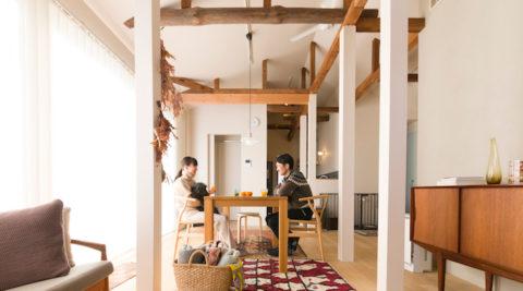 逗子の平屋をリノベーション古い梁のぬくもりが心地良い北欧の家具が似合う家