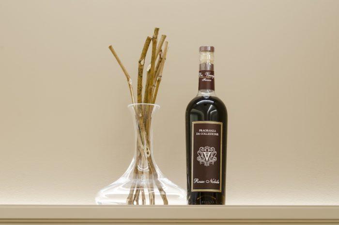 ワイン好きの人に贈りたい「ロッソ ノービレ」SET BOX。インテリアとしても楽しめるルックスも好評だ。