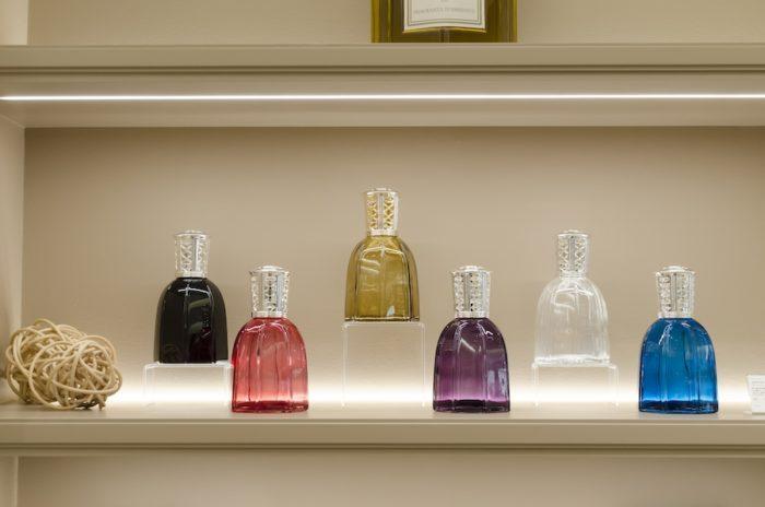 「ランパルファム」のボトルは香りをイメージしたカラフルなガラスボトルが特徴。